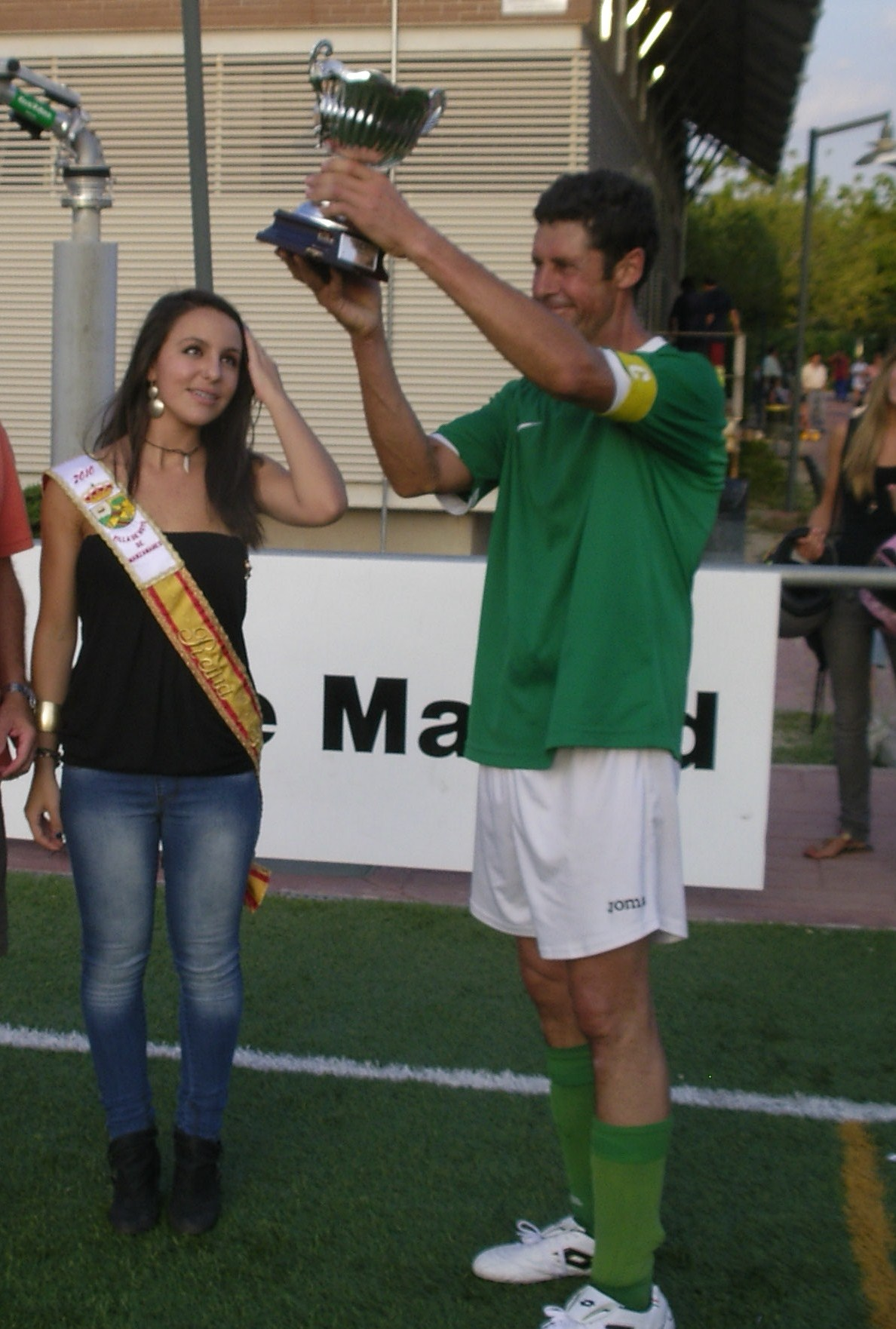 El CF Hoyo se mantiene entre los mejores a pesar de las lesiones y prepara elecciones para el mes de diciembre