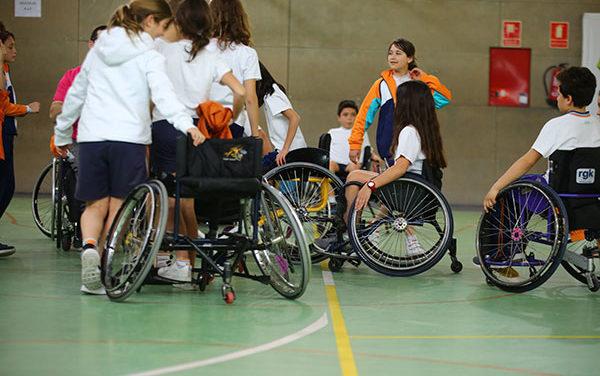 Plan para fomentar el deporte inclusivo entre técnicos y colegios de Las Rozas