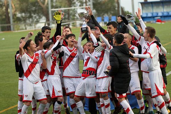 El Rayo Vallecano gana el Torneo Infantil Ángel Lanchas