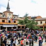"""Cientos de vecinos de Las Rozas rinden homenaje al """"héroe del monopatín"""""""