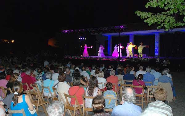 Buenas Noches de espectáculos y cine en Hoyo