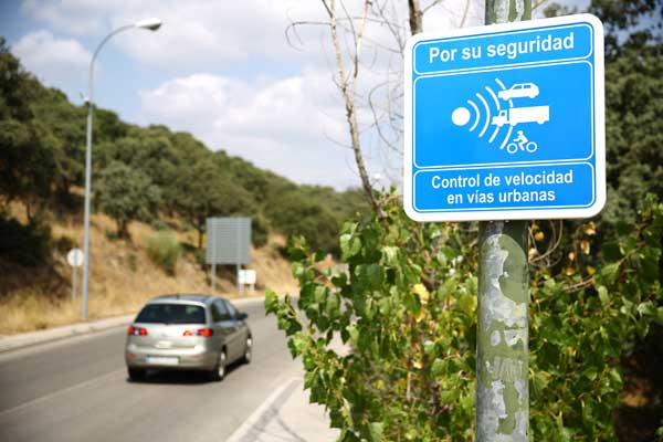 La Policía de Las Rozas instala un radar móvil en zonas de especial riesgo
