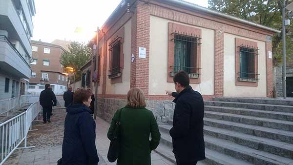 Vecinos de Las Rozas reclaman protección integral de la Casa Rectoral