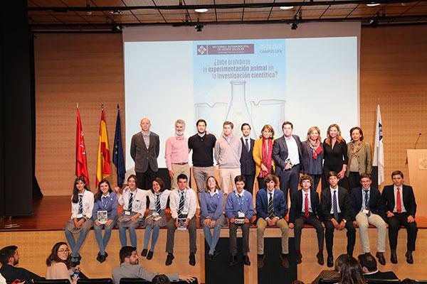 """Una alumna del IES El Burgo de Las Rozas, premio al """"Mejor Orador"""" en el Torneo de Debate escolar"""