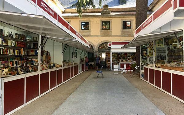La Feria del libro antiguo y de ocasión sanlorentina cumple 27 años