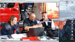 medios aéreos y terrestres trabajan en la extinción del incendio en Rascafría