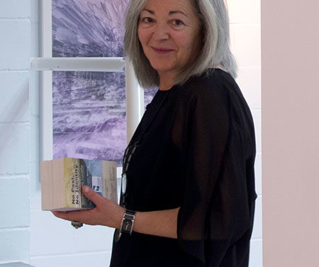 """Guadalupe Luceño expone """"No past-No identity"""" en la Casa de Cultura de Collado Villalba"""