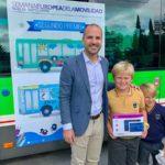 Los dibujos de dos alumnos majariegos viajarán en bus