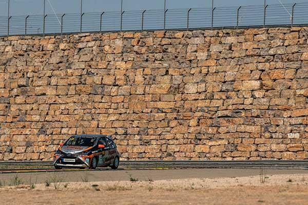Miguel Villacieros logra el segundo puesto en Motorland Aragón