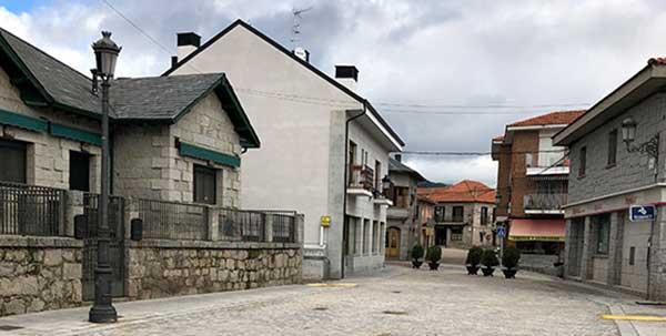La calle Real de Alpedrete se cerrará al tráfico los fines de semana