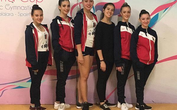El equipo juvenil de gimnasia rítmica sanlorentino participa en el Euskalgym