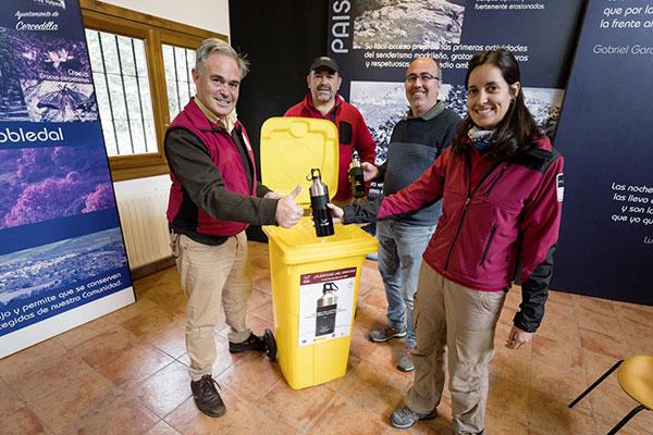 La Comunidad distribuirá 300 cantimploras a cambio de botellas de plástico de un solo uso