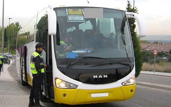Los autobuses escolares de Las Rozas superan la inspección de la Policía Local