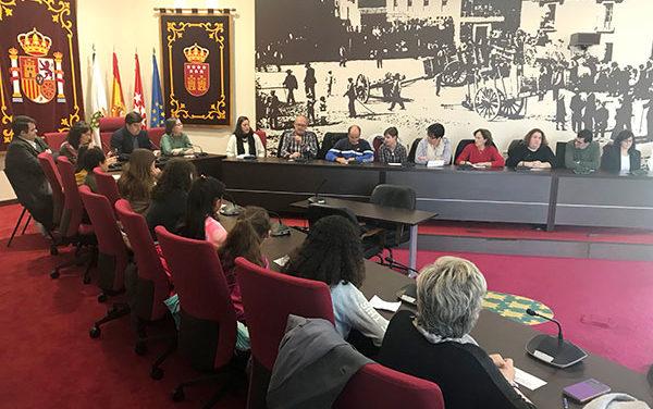 El salón de plenos de Galapagar acoge un homenaje a la Constitución española
