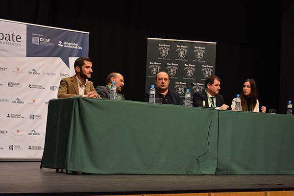 350 jóvenes debaten en el colegio Los Sauces sobre los efectos de la globalización
