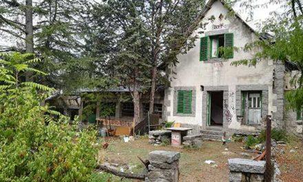 Unidas por Collado Villalba pide se conserven los edificios singulares de Cantos Altos