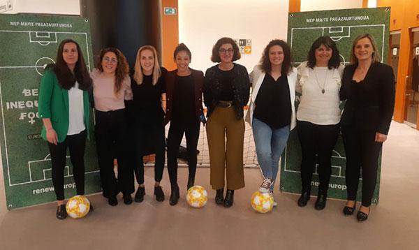 Mercedes Nuño participó en el Parlamento Europeo en un encuentro por la igualdad en el fútbol