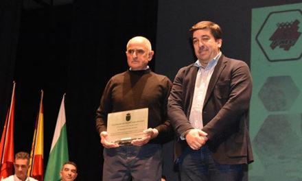 Ciclistas de Galapagar reconocidos en la Gala anual del ciclismo madrileño