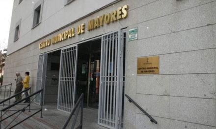La evolución del COVID-19 obliga a cerrar los centros de mayores de la región