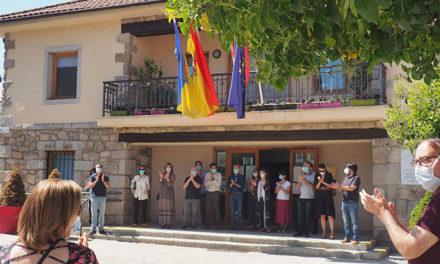 Minuto de silencio en Torrelodones, en memoria de las víctimas del coronavirus