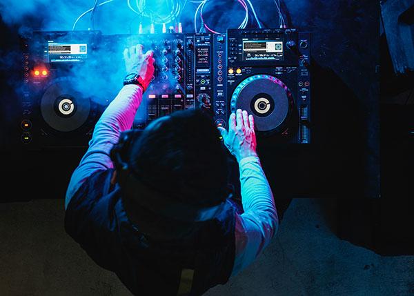 #EspacioRozasJoven, un lugar de encuentro con música, DJ,s e Influencers los fines de semana
