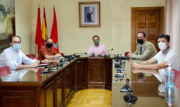 Alcaldes de la sierra piden a la Delegación de Gobierno más seguridad