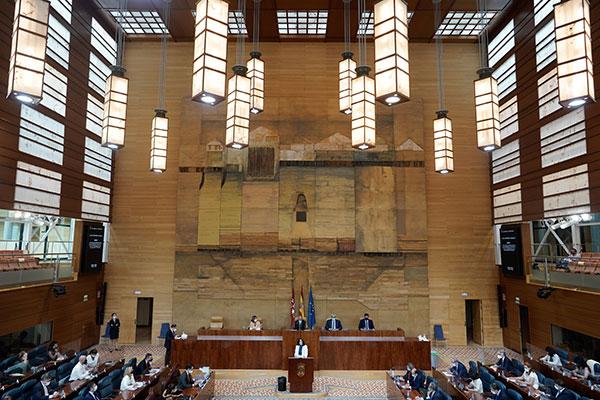 Díaz Ayuso anuncia la puesta en marcha del teléfono 112 Okupación