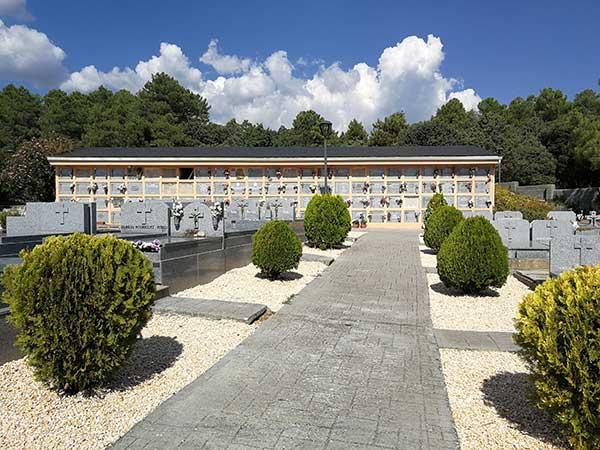 Los vecinos de San Lorenzo dispondrán de un autobús gratuito para acudir al cementerio