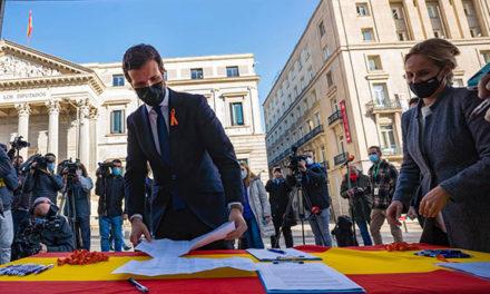 El PP de Madrid lleva recopiladas más de 10.000 firmas contra la Ley Celaá