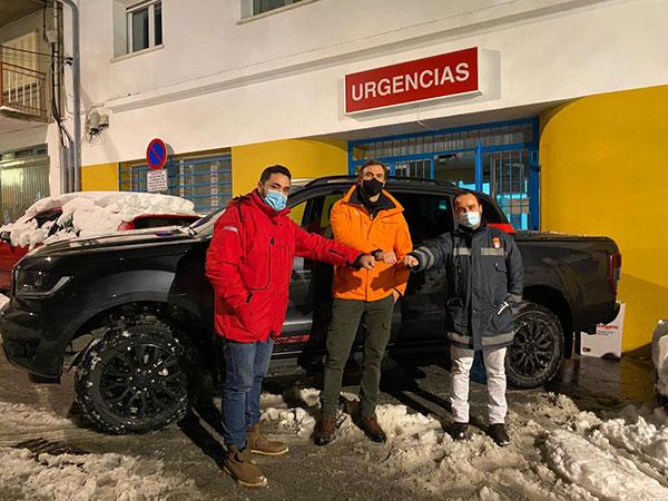 Ford España y el pentacampeón de ralis, Rubén Gracia, se unen al traslado de personal sanitario en Guadarrama