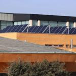 El Ayuntamiento de Galapagar instala 40 paneles solares en la piscina cubierta
