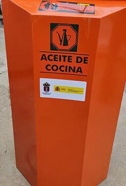 Guadarrama adquiere 20 nuevos contenedores para reciclar aceite doméstico