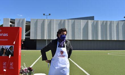 El chef Pepe Rodríguez visita el colegio Peñalar para conocer las jornadas gastronómicas en los centros Educare