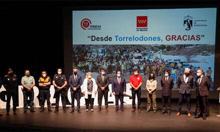 Torrelodones rinde homenaje a los efectivos de seguridad y emergencias de la Comunidad