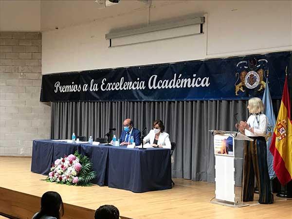 Cincuenta alumnos de El Escorial reciben premios a la excelencia académica