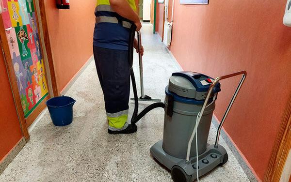 Diez jóvenes de Guadarrama ultiman su formación para el certificado de profesionalidad en limpieza