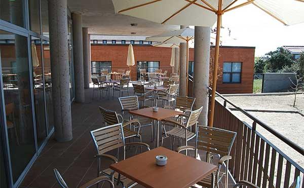 La cafetería del Centro de servicios sociales de Torrelodones se abre al público