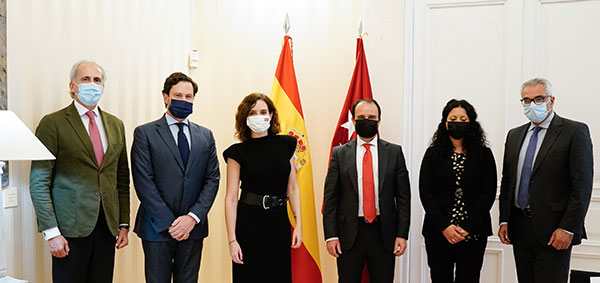 Díaz Ayuso se reúne con el alcalde de Guadarrama